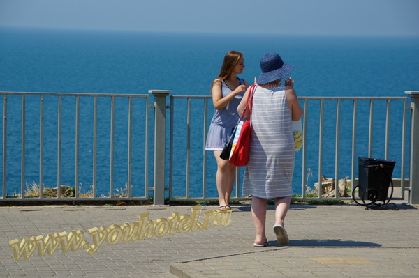 Анапа рядом со спуском к пляжу с ул. 40 лет Победы